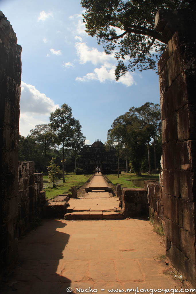 Temples of Angkor 112 45572160