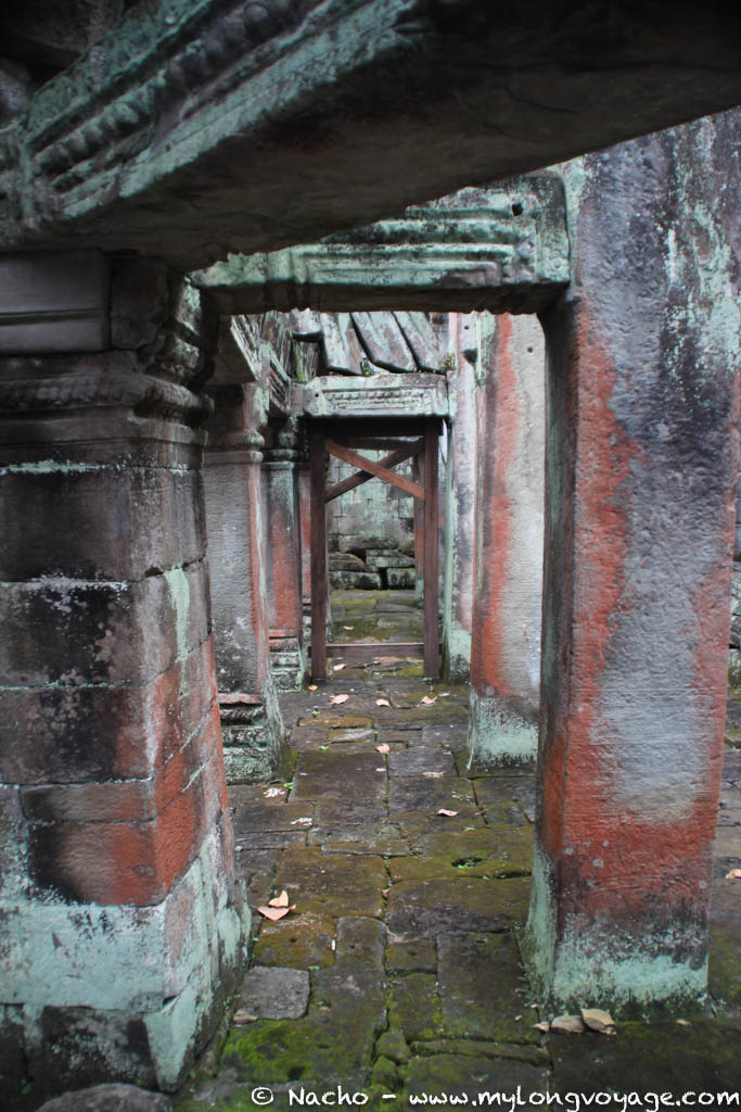 Temples of Angkor 82 44751296