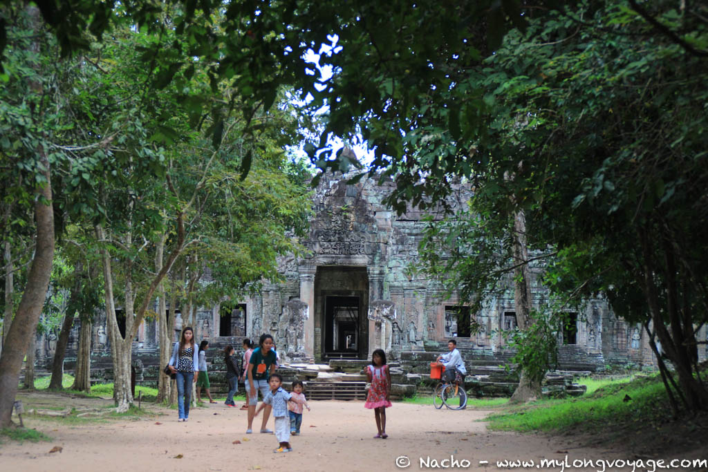 Temples of Angkor 92 45033792