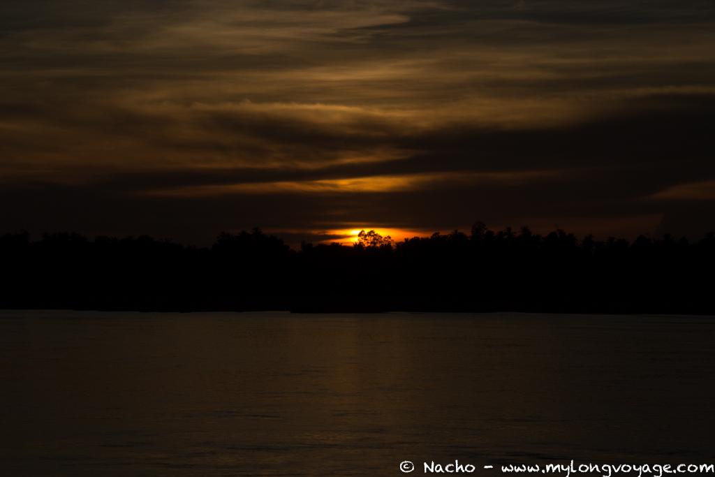 Kratie sunsets & dolphin spotting 09 46822016
