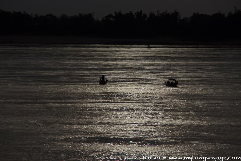 Kratie sunsets & dolphin spotting 47 51764224