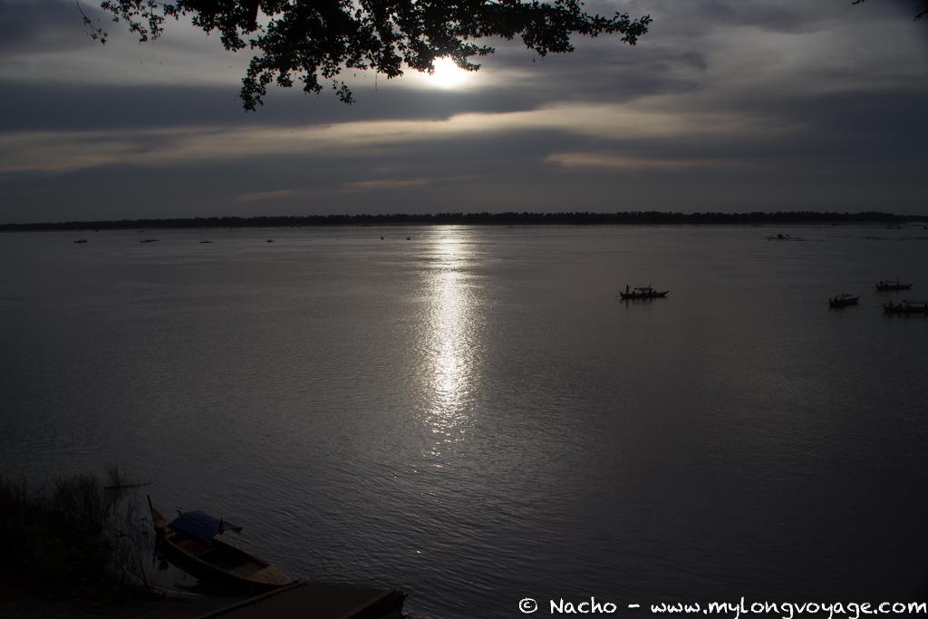 Kratie sunsets & dolphin spotting 49 52064448