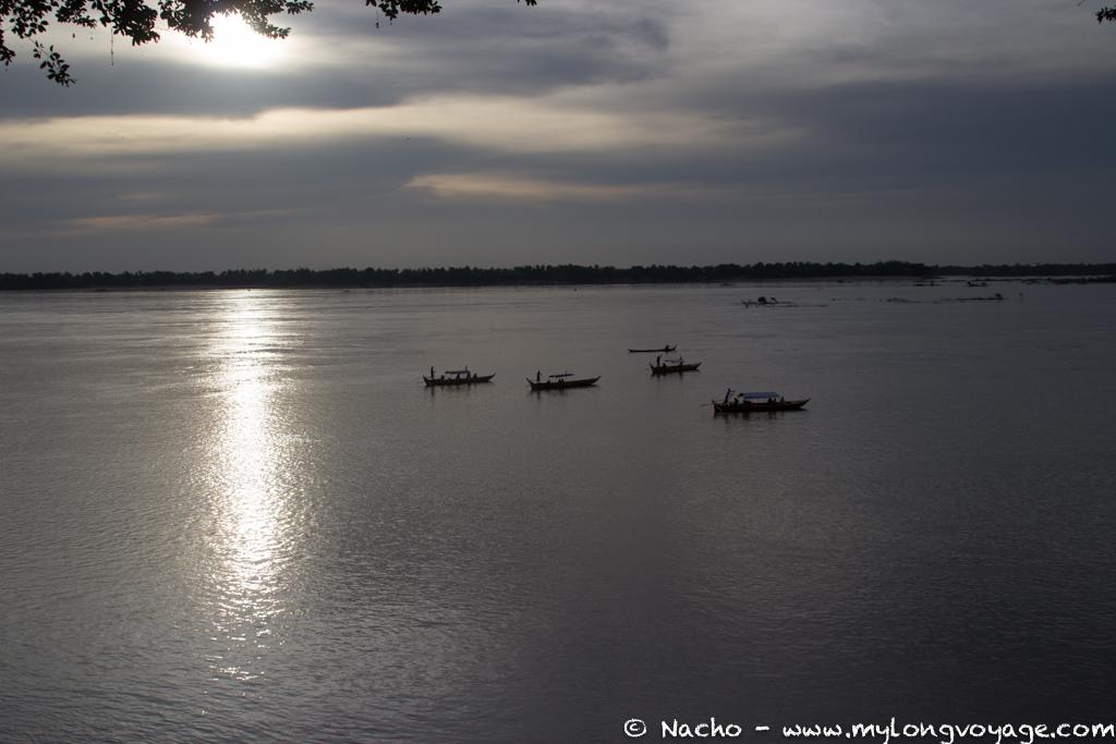Kratie sunsets & dolphin spotting 51 52231808