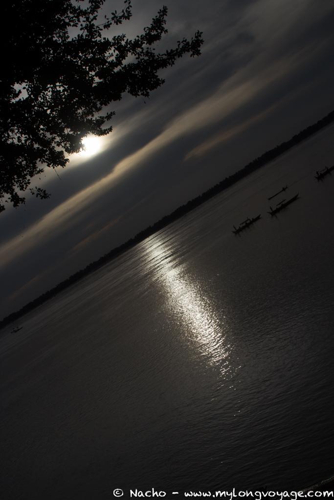 Kratie sunsets & dolphin spotting 52 52276480