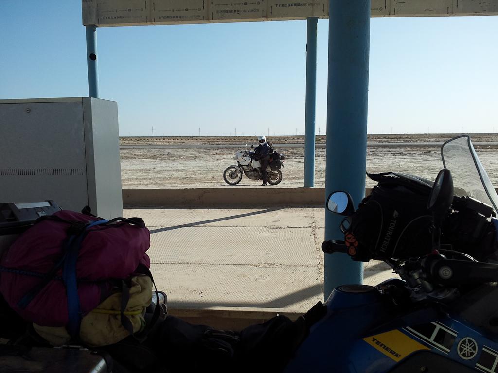 Desert roads of Uzbekistan 03 54