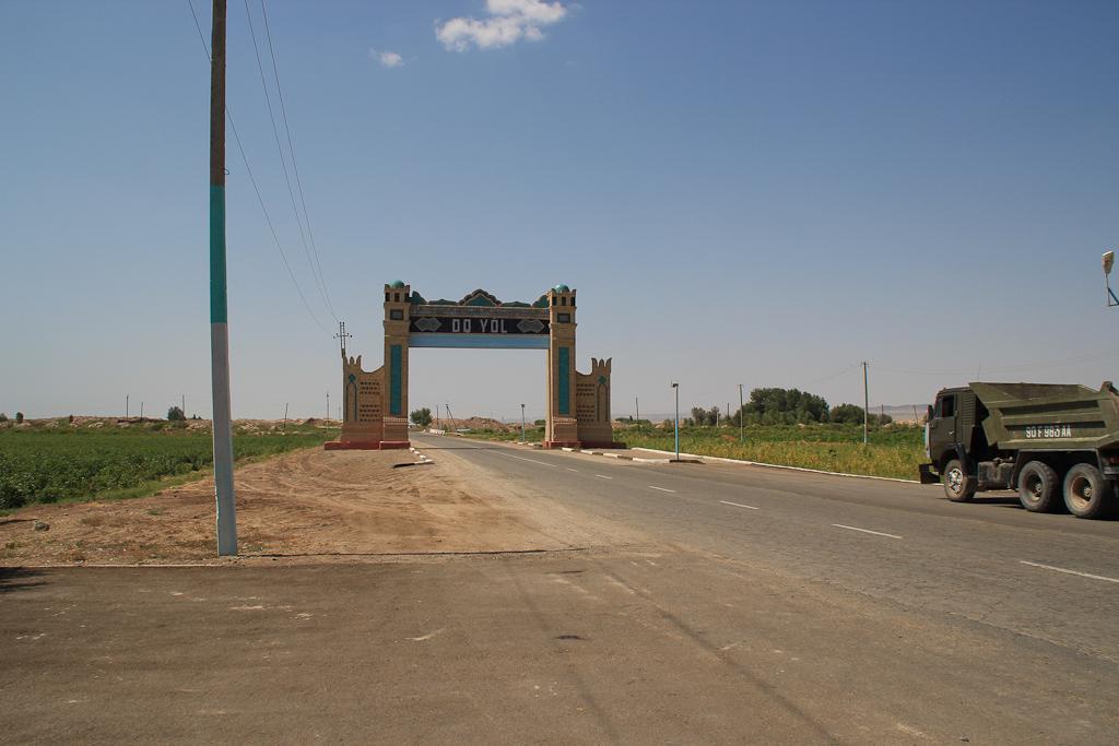 Desert roads of Uzbekistan 26 1193
