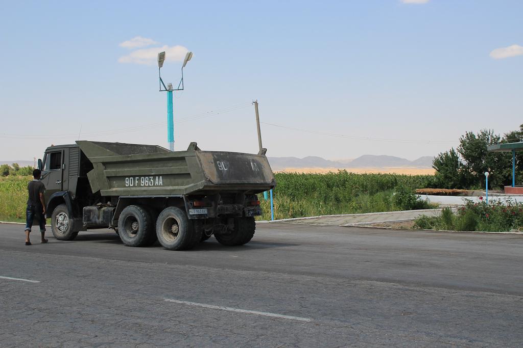 Desert roads of Uzbekistan 29 1199